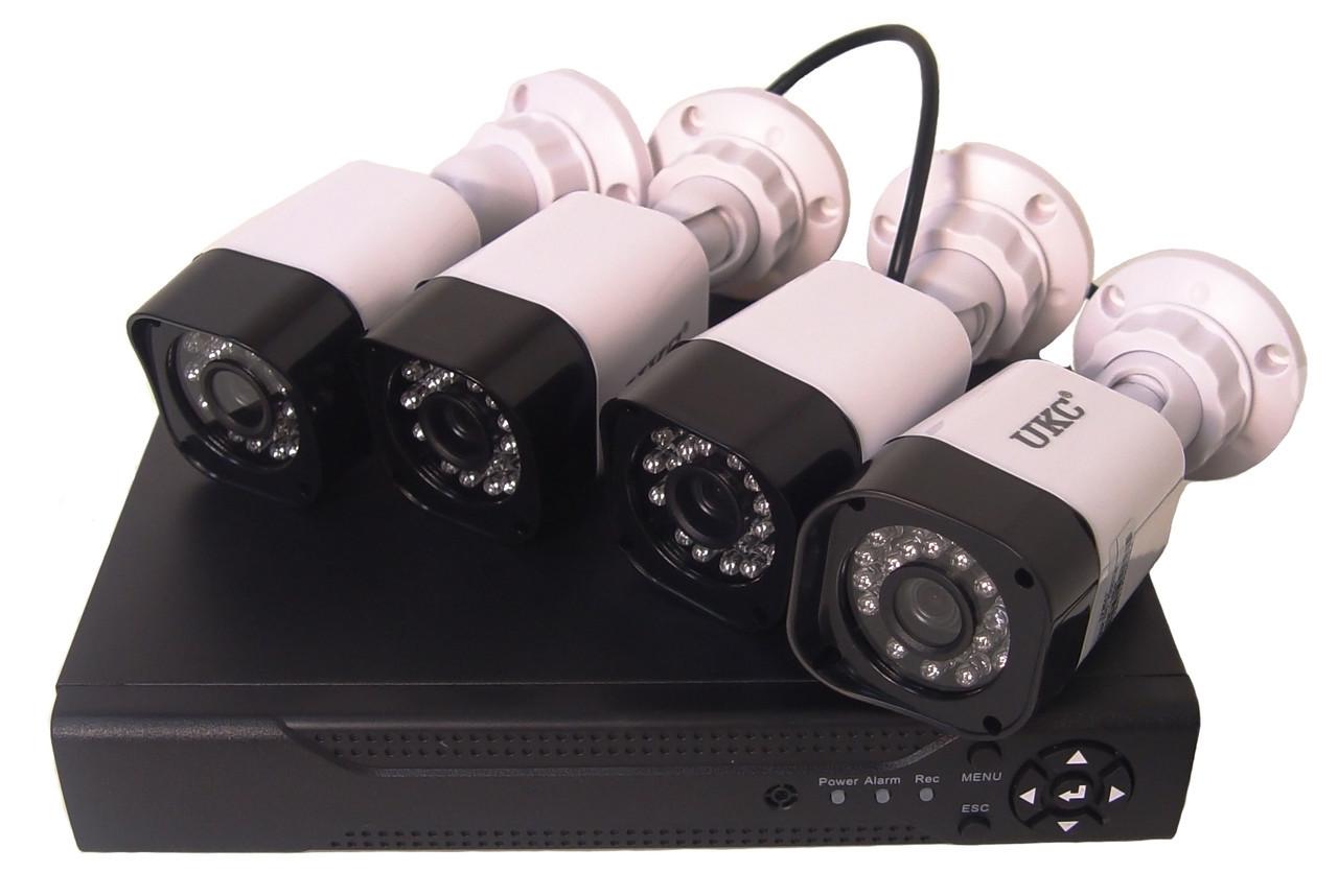 Комплект видеонаблюдения UKC DVR регистратор 4-канальный и 4 камеры DVR CAD D001 KIT